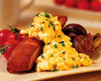 Recipe: Scrambled Eggs with Roasted Tomatoes & Port Mushrooms